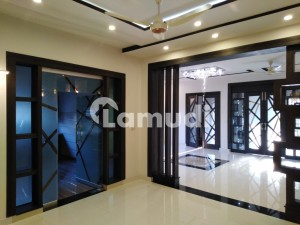 19 Marla House Is Available In Gulberg