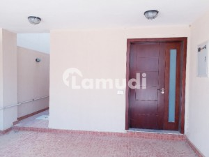 West Open Street 1 Slightly Used 200 Sq Yd House Villa For Rent