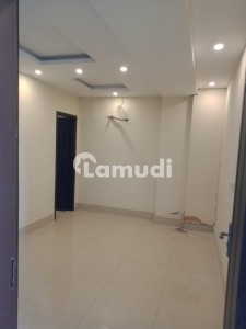 2 BED FLAT AVAIALABLE