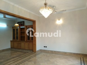Stunning Room Is Available For Rent In F-8