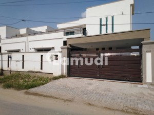 Gulberg House Sized 14 Marla For Rent