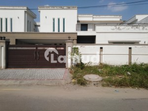 Premium 1 Kanal House Is Available For Rent In Lahore