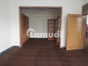 In G-10 Upper Portion For Rent Sized 2250  Square Feet