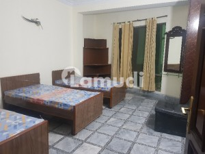 In Tariqabad Of Faisalabad, A 1350  Square Feet Room Is Available