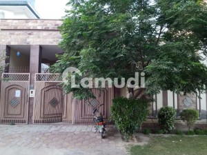 Faisal Bagh Town House Sized 2700  Square Feet Is Available