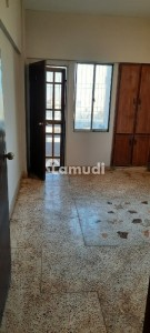 Shumail Heights Road Facing 4th Floor With Roof Flat For Sale
