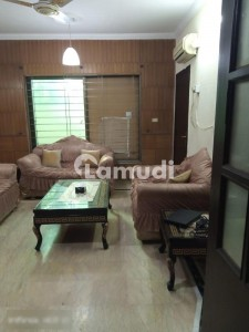10 Marla Independent House Available For Rent In Faisal Town