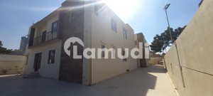 9000  Square Feet House Available For Rent In Clifton