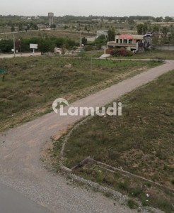 10 marla plot available in PECHS near to top city new airport Islamabad