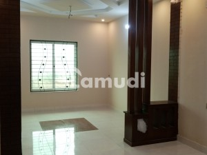 5 Marla House In Madina Town For Sale