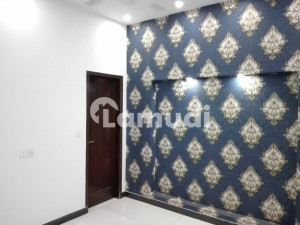 Stunning and affordable Upper Portion available for Rent in Model Town