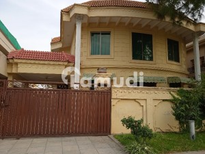 G 10  Ground Portion For Rent Best Location