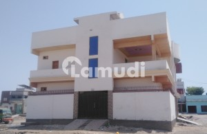 300 Yard Bungalow For Rent