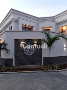 2000 Yards Brand New Beautiful Spectacular Incomparable 100% Owner Built Bungalow For Rent In Dha Ph-6