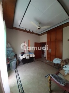 D.C Colony 10 Marla Upper Portion For Rent