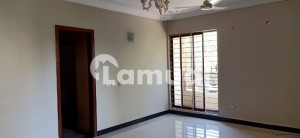 Defence 800 Yards 9 Bedrooms Phase 6 Bungalow Available For Rent