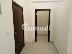 950  Square Feet Flat Situated In Bahria Town Karachi For Rent