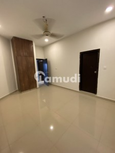2700  Square Feet Flat For Rent Is Available In Jamshed Town