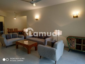 Recently Renovated 2 Bedrooms Apartment