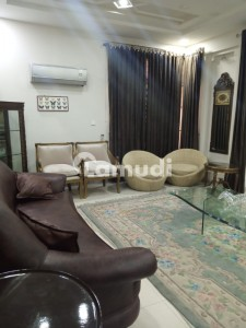 1Kanal Fully furnished house available for rent