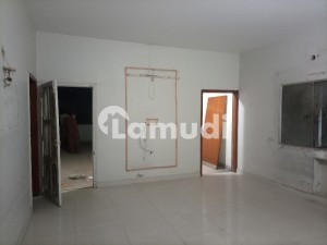1 Kanal Almost New Condition 7 Bed Tile Flooring