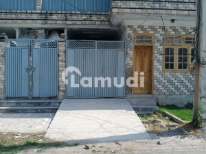 In Hayatabad House Sized 10 Marla For Sale