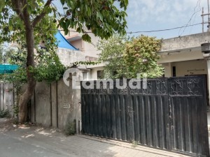 Lavish Design Solid Construction Bungalow For Sale In Low Price Cavalry Ground Lahore