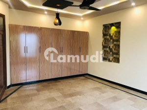 Centrally Located House In Regi Model Town Is Available For Sale