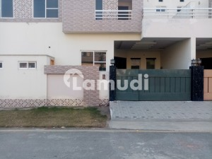 5 Marla House Ideally Situated In Satiana Road