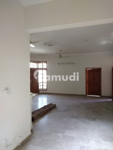 Aesthetic Upper Portion Of 4500  Square Feet For Rent Is Available