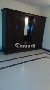 Flat Of 950  Square Feet In G-6 For Rent