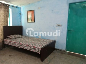 315  Square Feet Upper Portion For Rent In Faisal Town Lahore