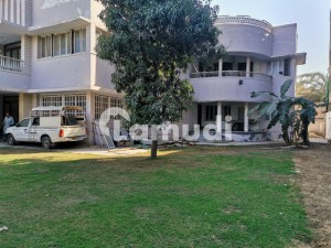 House Of 30000  Square Feet For Rent In Shahra-E-Faisal