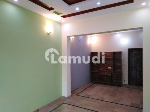 2.5 Marla Lower Portion In Gulberg For Rent