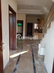 1125  Square Feet House In Paragon City For Rent