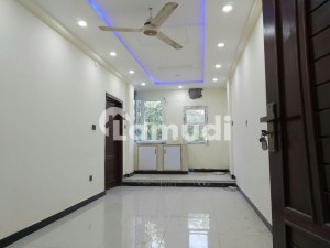 G-10 Flat Sized 550 Square Feet For Rent