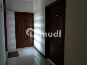 Flat Of 500 Square Feet Available In G-10