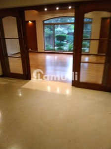 32 Marla General Villa For Rent In Main Cantt