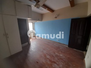 For Sale 1050 Sqft 1st Own 2 Bed Dd Lounge Kitchen Defence Garden Apartment