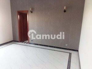 1 Kanal Brand New House Available for Rent