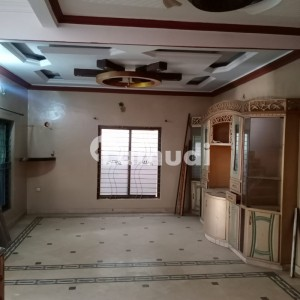 Unoccupied Lower Portion Of 1800  Square Feet Is Available For Rent In Saeed Colony