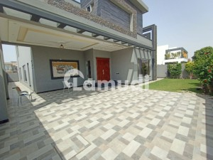 1 Kanal Modern Design Bangalow available for Rent