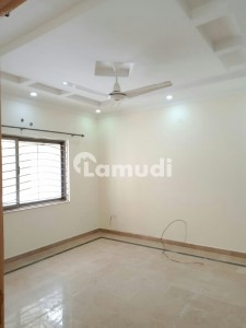 2150 Square Feet Luxury Outclass 2 Bedrooms With Drawing Dining Apartments Available For Rent