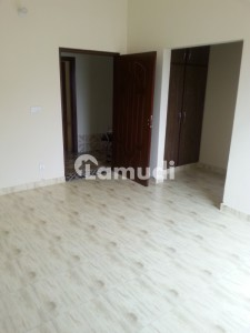 Brand New Room Near Ucp And Emporium Mall Lahore In 1 Kanal House
