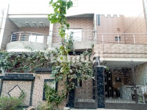 2250  Square Feet House In Central Gulberg City For Sale