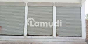 176 Square Feet Shop For Rent In