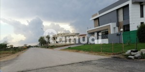 35X70 DOUBLE ROAD PLOT FOR SALE
