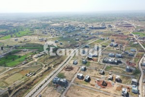 10Marla plot file available for sale in Gulberg residencia on instalments