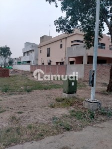 Wonderful Location 1 Kanal Pair Residential Plots For Sale In Dha Phase 6 D Block