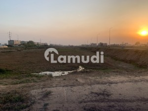 4.5 Marla Ideal Commercial Corner Plot For Sale Main Broadway In Dha Phase 8 Block B